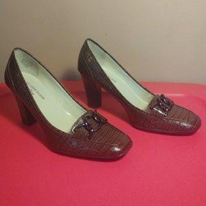 Anne Klein Shoes - AK Anne Klein iFlex 7.5 Brown Leather Heels